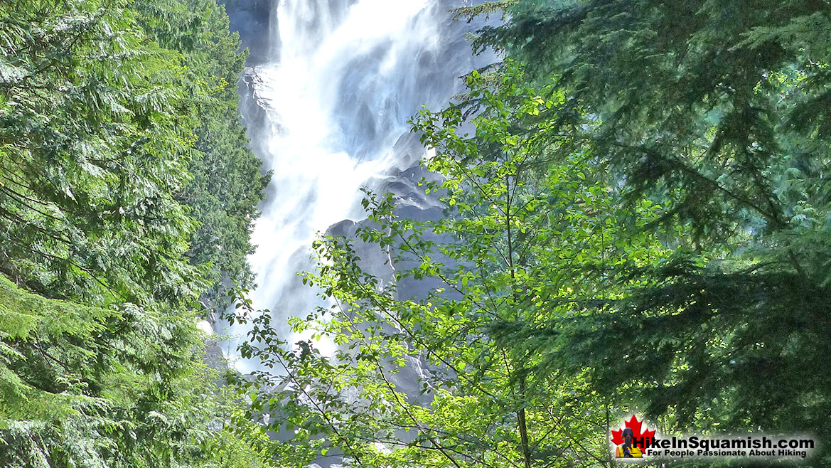 Shannon Falls 2 Hike in Squamish